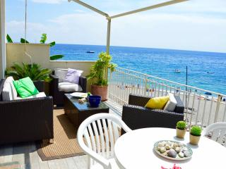 Peonia house - House on the beach near Taormina - Sant' Alessio Siculo vacation rentals