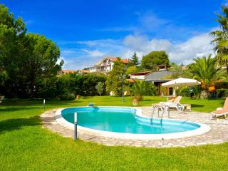 Mimosa house - apartment with big garden and pool - Mascalucia vacation rentals