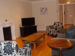 3 BR - Porchester, Bayswater - London vacation rentals