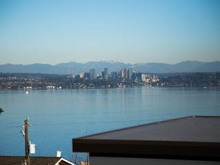 VIEW & LOCATION in historic Seattle neighborhood - Seattle vacation rentals
