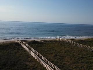 AMAZING OCEANFRONT BOOK THRU VRBO not TripAdvisor - Carolina Beach vacation rentals