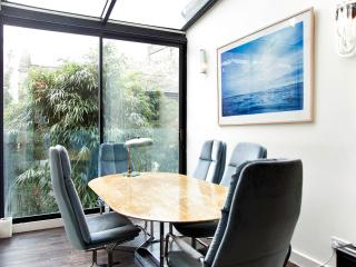 Nice 2 bedroom Condo in London - London vacation rentals