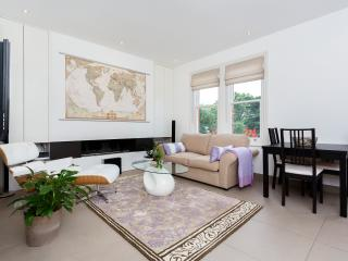 Parkside 1 bed with roof terrace, Fulham - London vacation rentals