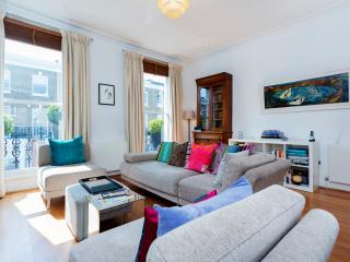 2 bed apartment on Redburn Street, Chelsea - London vacation rentals