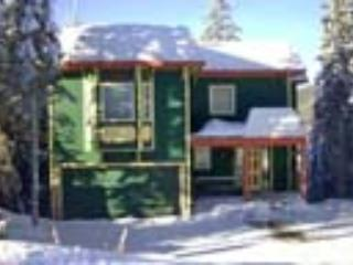 Excellent Knoll Location - Hot Tub, BBQ, Pets OK - Silver Star Mountain vacation rentals