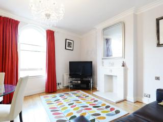 1 bed, walk to the museums, Emperors Gate, Kensington - London vacation rentals