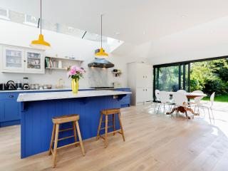 4 bed home on Park Road, Chiswick - London vacation rentals