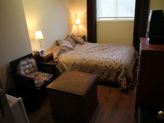 Beautiful Hull Private room rental with Internet Access - Hull vacation rentals