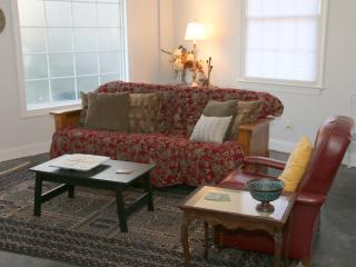 Cozy House with Internet Access and A/C - Savannah vacation rentals