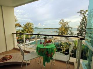 Beachfront & Sea View, 2bdrm+Jacuzzi, Rawai Beach ь - Rawai vacation rentals