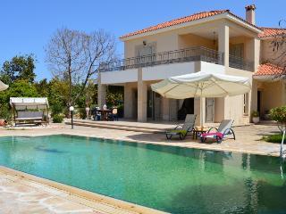 VILLA NIKI(freeWI-FI,prv swimming pool,view, toys) - Argaka vacation rentals