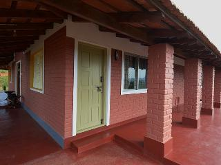 4 bedroom Villa with Parking in Sakleshpur - Sakleshpur vacation rentals