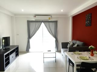 Apollo Apart'Hotel 1 bedroom apartment - Pattaya vacation rentals