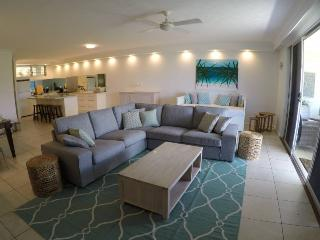 Bright Condo with A/C and Television - Hamilton Island vacation rentals