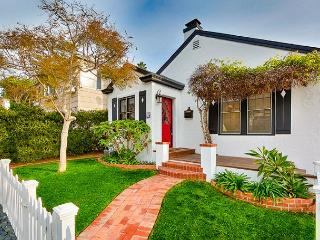 Charming beach cottage / private hot tub & outdoor living / walk to the beach - La Jolla vacation rentals