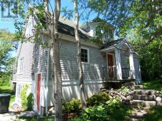 Adorable & Affordable Cape Cod, Steps from Harbour - Chester vacation rentals