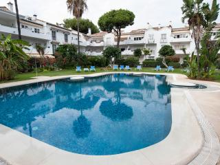 El Presidente KENT; Beachside, Heated Pool + wifi - Estepona vacation rentals