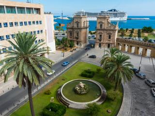 Porta Felice luxury Apt stunning view - Palermo vacation rentals