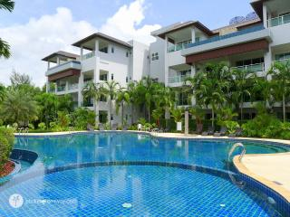 Splendid private pool penthouse overlooking the beach - Bang Tao vacation rentals