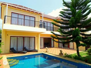 Amazing family villa with a private pool - Bang Tao Beach vacation rentals