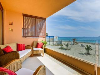 -SEA VIEW- Bora Bora Apartment next to Ushuaia,HRH - Playa d'en Bossa vacation rentals