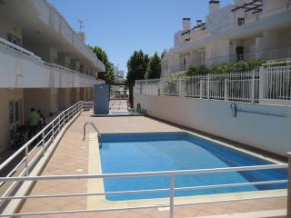 T3 Santa Luzia condomínio privado com piscina - Santa Lucia vacation rentals