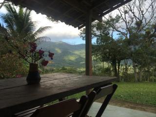 Uma Charmosa Casa Caiçara TA - Ubatuba vacation rentals