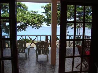 Perfect 3 bedroom House in Lower Bay with Internet Access - Lower Bay vacation rentals