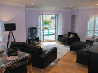 A Stylish Two Bedroom Apartment on The Waters Edge - Brighton vacation rentals