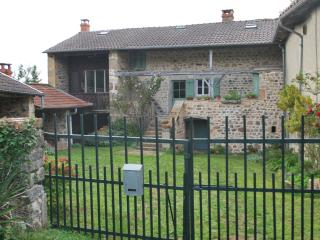 3 bedroom House with Parking in Cluny - Cluny vacation rentals