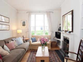 Leafy Family Base - London vacation rentals
