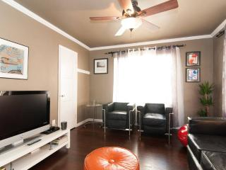 Bright and spacious 2BR in RosePark - Long Beach vacation rentals