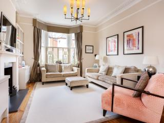 5 bed, 3 bath house, Foxbourne Road, Balham - London vacation rentals