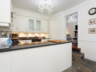 A bright two-bedroom property in Wandsworth. - London vacation rentals