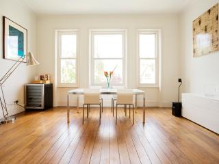 Striking 2 Bed Apartment In Exclusive Area Of Belsize Park - London vacation rentals