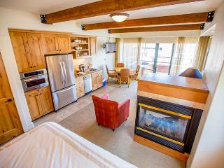 2BR Park City Condo w/Spectacular Views, Multiple Fireplaces & Private Hot Tub - 2 Units in 1! *Rent 1BR at a Discounted Rate* - Park City vacation rentals