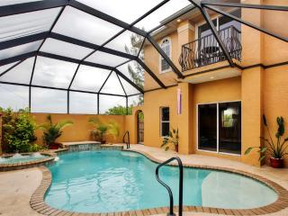 Extraordinary 5BR Cape Coral House w/Private Outdoor Pool, Deck & Nice Views Overlooking Freshwater Canal - Close to Shops, Golf, Restaurants, Fishing & Popular Beaches! - Cape Coral vacation rentals