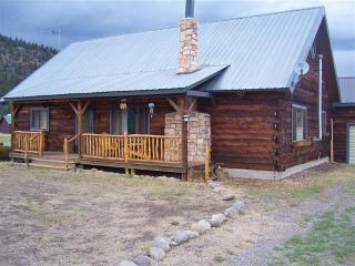 Authentic 3BR South Fork Log Cabin w/Private Hot Tub - Enjoy Outstanding Mountain Views! - South Fork vacation rentals