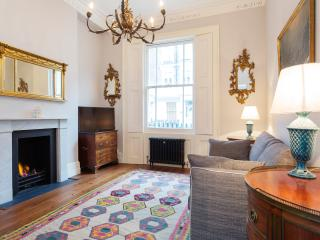 A modern one-bedroom flat in peaceful Pimlico. - London vacation rentals