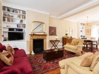 2 bed, 2 bath, Thorpebank Road, Shepherd's Bush - London vacation rentals