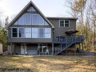Sandy Beach Access! Quiet & Relaxing 3BR Gilmanton House w/Wifi, Fire Pit & Panoramic Views of Shell Camp Lake - Close Proximity to Outdoor Recreation & Local Attractions! - Gilmanton vacation rentals