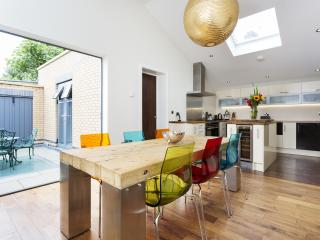 3 bedroom House with Internet Access in London - London vacation rentals