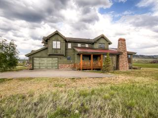 Beautifully Rustic 3BR Granby House on Grand Elk Golf Course w/Private Patio & Uninterrupted Mountain Views - Near Fishing, Skiing & Much More! - Granby vacation rentals