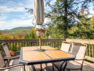 Sublime 3BR Jackson House w/Wifi, Gas Grill, Expansive Private Deck & Spectacular Mountain Views - Minutes from Skiing, Hiking, Dining, Shopping & More! - Jackson vacation rentals