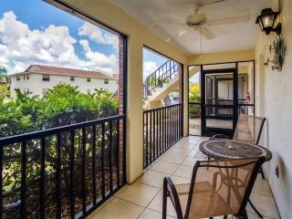 Beautifully Furnished 2BR Englewood Condo w/Private Screened-In Veranda & Resort Amenities Access - Minutes to Gulf Coast Beaches, Golf, Restaurants & Shopping! - Englewood vacation rentals