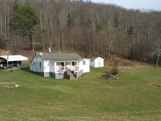 Cozy Cottage with Washing Machine and Television - Mouth of Wilson vacation rentals