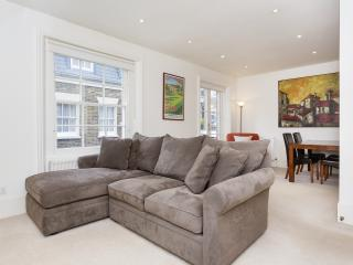 Perfect Condo with Internet Access and Washing Machine - London vacation rentals