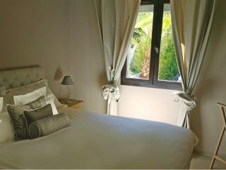 Appartement KING dans VILLA haut de gamme BDM HOME - La Seyne-sur-Mer vacation rentals
