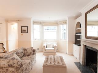 Charming 1 bed just off King's Road, Chelsea - London vacation rentals