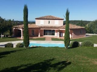 Holiday rental Villas Cabries (Bouches-du-Rhône), 186 m², 2 860 € - Cabries vacation rentals